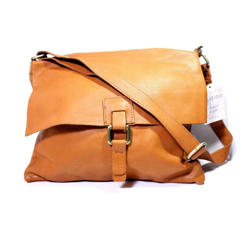 c8839028a4bf Женская кожаная сумка почтальонка BI00-23 оранжевая Италия — купить ...