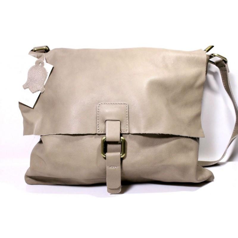 f956c3924767 Женская кожаная сумка почтальонка BI006 бежевая Италия — купить ...