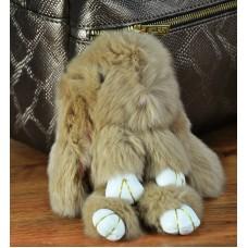 Брелок кролик из меха бежевый