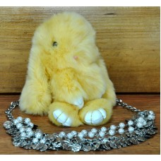 Брелок кролик из меха лимонный