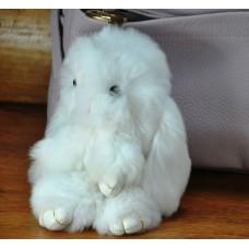 Брелок кролик из меха белый