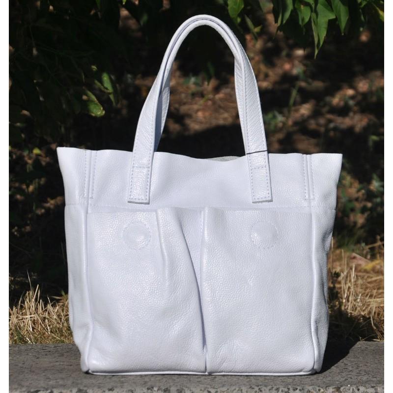 541fbe4750c5 ᐉ Женская кожаная сумка с карманами белая купить в Киеве и Украине