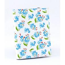 Визитница белая в мелкие голубые и красные цветочки