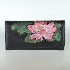 Жіночий шкіряний гаманець з рожевою лілією чорний